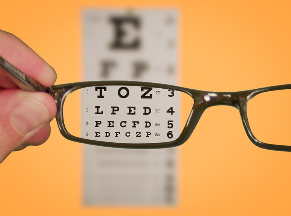 Why An Online Eye Exam Can't Replace Your Doctor!